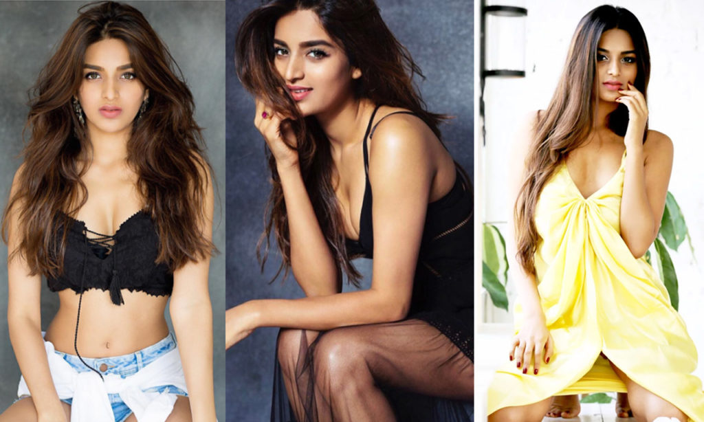 View Bollywood Actress Latest Top Oops Moments Photos   Oops Moments Of Bollywood Actress Pics   Top Oops Moments Bollywood   Bollywood Oops Moment Photo